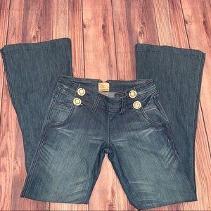 ARDEN B flare Bottom Jeans Size 28